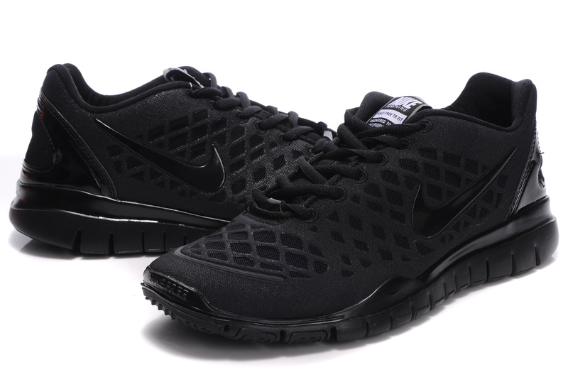 mens all black nike shoes